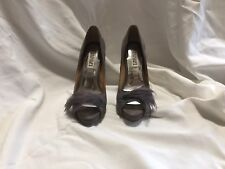 Badgley Mischka feathered heels Size 6