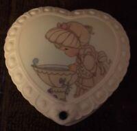 Vintage Avon 1997 Enesco Precious Moments Covered Trinket Box May Emerald Heart