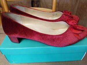 J Renee Shoes Size 13 W burgundy velvet crossdresser