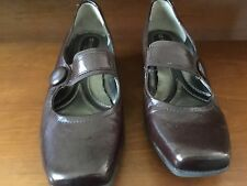 Naturalizer 7 1/2 WW Brown Mary Janes NEW