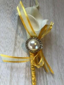 Calla Lily and Pearl Corsage, Wedding Corsage, Mother of the Bride or Groom