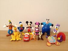 12 Mickey Mouse Cake Toppers plus Playmat & Story