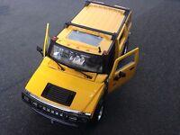 Maisto 2003 Hummer H2 SUV 1:27  With Yellow