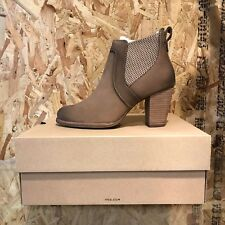 UGG's W Cobie fawn heeled boot UK size 4.5