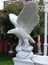 Gartenfigur, Adlerfigur Steinstatue H.60 cm, Steinguss Vögel Skulptur Gartendeko