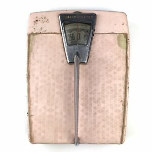 Health-O-Meter Bathroom Scale Pink Diamond Pattern Silver 250 lb Vintage