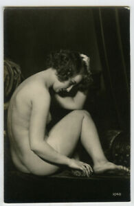 1920s French Risque /  Nude DECO POSE Beauty Pretty Lady photo postcard