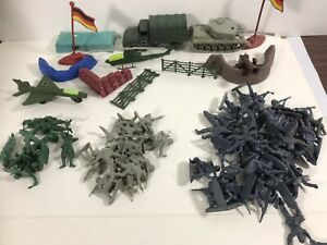 75+  Army Men Toy Soldiers Military Gray & Green Plastic Figurine Action Figures