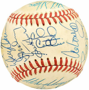 1986 Authentic Autographed Signed AL Baseball 30 Sigs Alvin Davis 192494