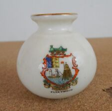 Crested Ware Shelley Fleetwood Model of Vase Silchester & Reading Museum 5cm tal