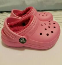 Crocs baby girl Shoes in Pink with soft fluffy lining Size C6