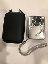 """Kodak EasyShare C180 10.2MP HD Silver Digital Camera 2.4"""" LCD with case"""