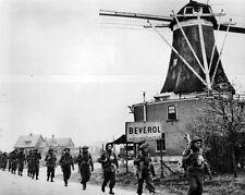 New 8x10 World War II Photo: Canadian Infantry of the Regiment de Maisonneuve