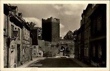 Cheb Eger Tschechien alte s/w Ansichtskarte 1950 Straßenpartie Turm Torbogen