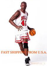 Custom Michael Jordan 1/6 Scale White Chicago Bulls Jersey 23 For Enterbay Body