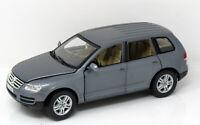 Modell 1:18 Volkswagen Touareg V10 TDI metallic grau  BBurago in OVP
