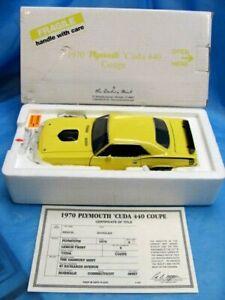 Danbury Mint 1970 Plymouth 'CUDA 440 Coupe LEMON TWIST 1/24 Scale with COT MIB