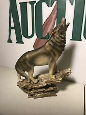 Large Standing Wolf Howling Figurine Resin Decor, B0260106-1