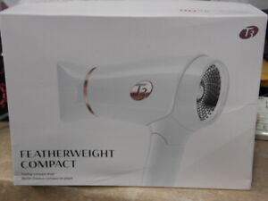 T3 Featherweight Compact Folding Hair Blow Dryer WHITE NIB + Concentrator + Bag