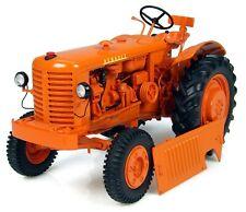 JN001 Universal Hobbies UH2227 1:16 Tracteur Renault R3042