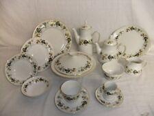 C4 Porcelain English Translucent China Royal Doulton - Larchmont (1963) - 4A3B