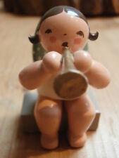 Wendt & Kühn Musizierende Engel sitzend Trompete Erzgebirge  Figur rar Sammler