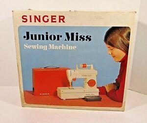 Vintage Singer Junior Miss Sewing Machine Model 67-b-24 TESTED WITH ORIGINAL BOX