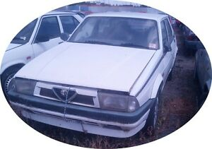 Alfa Romeo 75 TS  2000cc    / 1990    (  WRECKING ) 1 Bulb