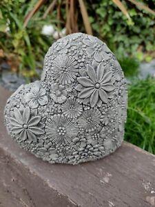 New Concrete Garden Ornament Heart