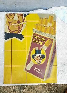 1940's VINTAGE SCARCE PASSING SHOW CIGARETTE ADV. TIN SIGN BOARD, ENGLAND