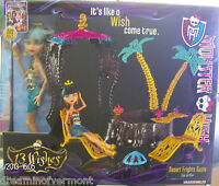 Monster High Doll 13 Wishes Desert Frights Oasis & Cleo De Nile Doll Playset