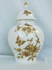 Deckel Vase mit Schmetterlinge,Madeleine,K.,Nossek, AK Kaiser Porzellan,Top