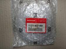 Honda 900 CB900 CB900F hornet 2002-04 cover centre 11371-MCZ-000 genuine NOS