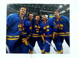 5 Red Wings Sweden Gold Metal Photo 8 x 10 Zetterberg Nick Kronwall Holmstrom