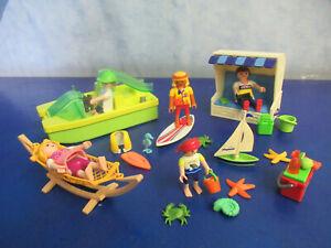 Familie Kinder macht Urlaub im Strandkorb Tretboot Surfer Figuren Playmobil 5451