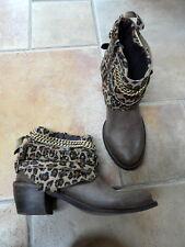 Sweet Lemon 39 boots de cuir taupe à motif léopard, neufs.