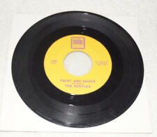 45 rpm record : Beatles - Twist and Shout / There's A Place - Tollie 9001