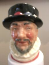 """Royal Doulton Toby Mug """"Beefeaters"""" 3"""" Tall Mint Condition"""