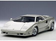 1:18 Autoart Lamborghini Countach 1990 25th Anniversary+Kostenl.vitrine