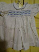 BLANC/bleu smocks ,ancienne robe  bébé  coton fantaisie ,baptéme ,grande poupée