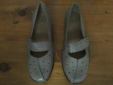 K By Clarks Brown Mary Jane Shoes Size 5 1/2 Extra Wide. Great Condition.