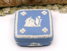 TIMELESS CLASSIC! WEDGWOOD WHITE ON BLUE JASPERWARE SQUARE LIDDED TRINKET BOX