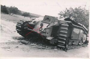 Nr.21553 Foto 2,Weltkrieg franz. Panzer tank Laon Frankreich 9,5 x 14 cm