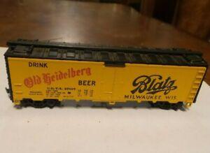 HO Athearn 40' Blatz Drink Old Heidelberg Beer Reefer Car in Excellent Condition