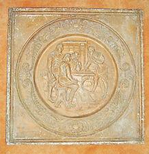 Plaque décorative ancienne moulée en plâtre patiné, auberge