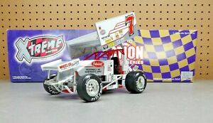 1998 Kevin Huntley #7 Peterbilt 1:18 World Of Outlaws Sprint Car Action with Box