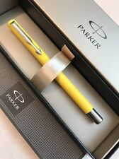 PARKER VECTOR YELLOW CT ROLLERBALL PEN-UK-BLUE INK-GIFT BOX-NEW OLD STOCK