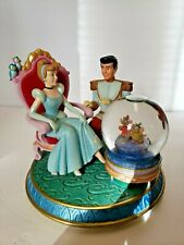 * Disney Princess Cinderella & Prince Glass Slipper Snow Globe