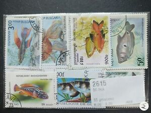 Animals , WW stamp accumulation, kiloware ,50 different used poison fish stamps