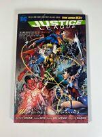 Justice League Vol 3: Throne of Atlantis Geoff Johns DC 2014